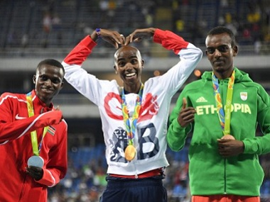 Watch Mo Farah takes a nasty fall but still takes gold in 10000m at Rio Olympics 2016