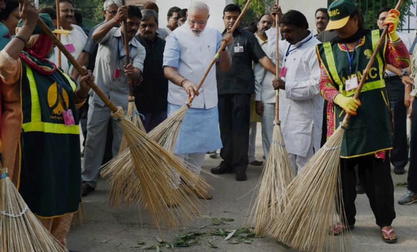 Modi Swachh Bharat_825