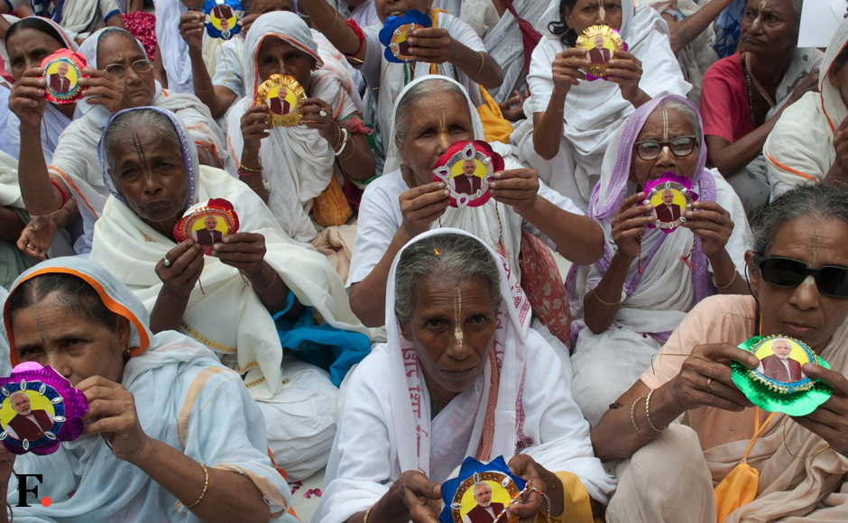 Since first week of August, around 100 widows, mostly in their 80s, were engaged in making colourful Rakhis in Meera Sahabhagi and Chetan Vihar ashram to organise Rakhsha Bandhan in a massive scale. A collection of 2,000 colourful Rakhis and sweets will also be sent to Prime Minister Narendra Modi by the widows who have expressed a strong desire to meet him and urge him to ensure their all-round welfare. (Naresh Sharma/Firstpost)