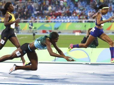 Rio Olympics 2016 Bahamas Shaunae Miller dives over the finish line to claim dramatic 400m gold