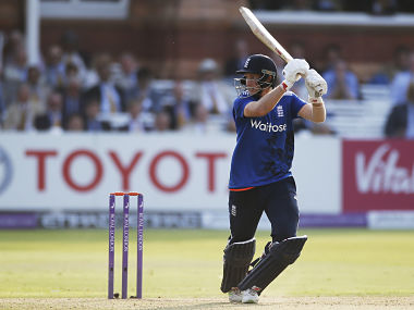 Joe Root stars at Lord's to give England 2-0 lead against Pakistan