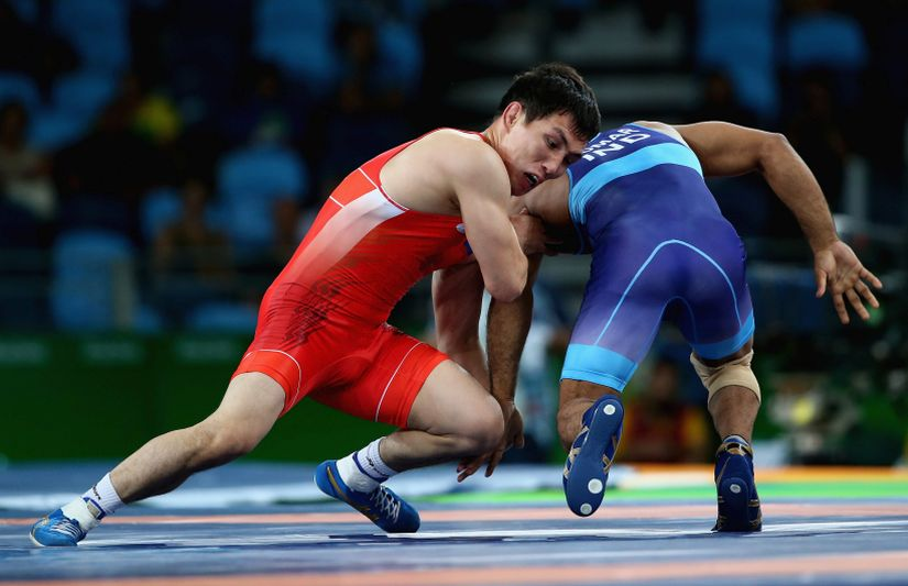 Sandeep Tomar competes against Victor Lebedev of Russia. Getty Images