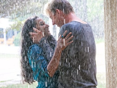 Tannishtha Chatterjee as Meera and Brett Lee as Will in 'UNIndian'