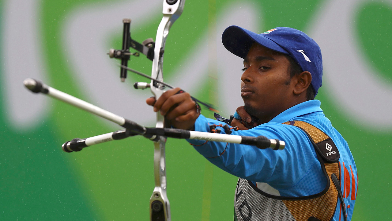 2016 Rio Olympics - Archery - Preliminary - Men's Individual 1/8 Eliminations - Sambodromo - Rio de Janeiro, Brazil - 12/08/2016. Atanu Das (IND) of India competes. REUTERS/Leonhard Foeger FOR EDITORIAL USE ONLY. NOT FOR SALE FOR MARKETING OR ADVERTISING CAMPAIGNS. - RTSMX6D