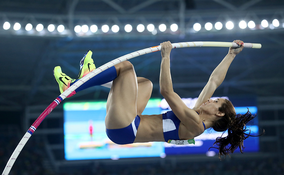 RIO DE JANEIRO, BRAZIL - AUGUST 19: Ekaterini Stefanidi of Greece competes in the Women's Pole Vault Final on Day 14 of the Rio 2016 Olympic Games at the Olympic Stadium on August 19, 2016 in Rio de Janeiro, Brazil. (Photo by Alexander Hassenstein/Getty Images)