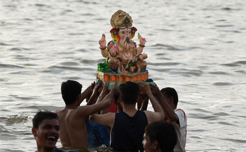 The Mumbai police had released a detail traffic plan in view of Visarjan day, where thousands of people will take to the roads to immerse their Ganesh idols. (Photo courtesy: AFP)