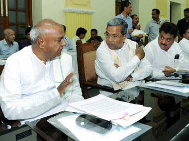 HD Deve Gowda and Siddaramaiah at an All Party Meeting on Cauvery Water Sharing Issue. PTI