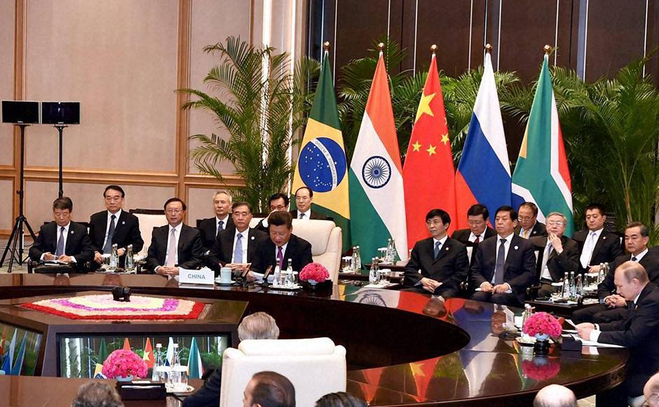 Hangzhou-Modi,-Xi-Jinping,--Vladimir-Putin-South-African-President-Jacob-Zuma,--and-other-BRICS-leader-during-the-BRICS-meeting