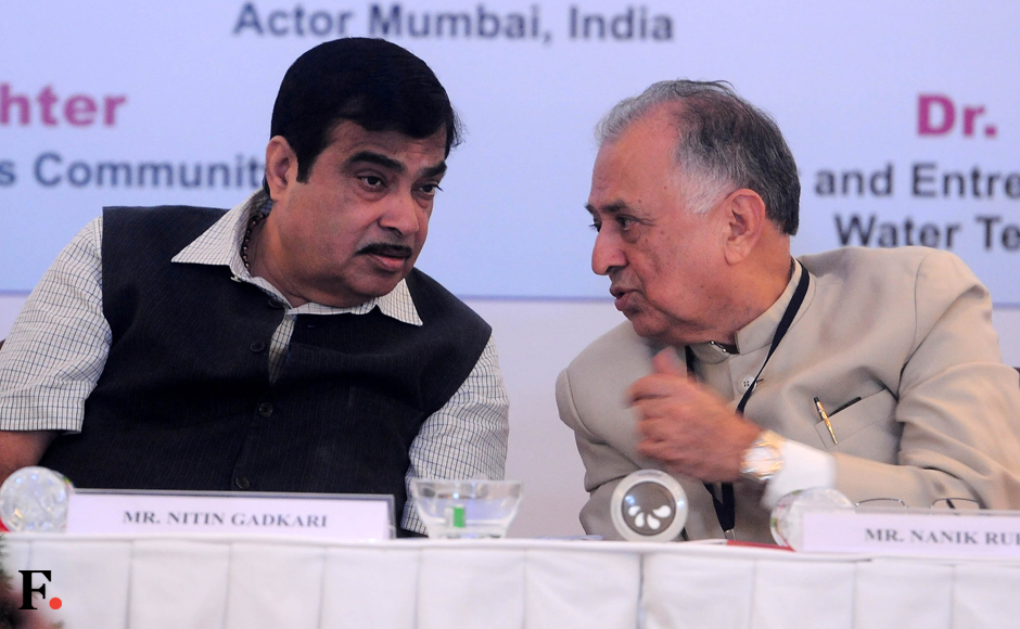 Nitin-Gadkari-Central-Minister-for-Road-with-Nanik-Rupani--Founder-of-Priydarshini-Academy