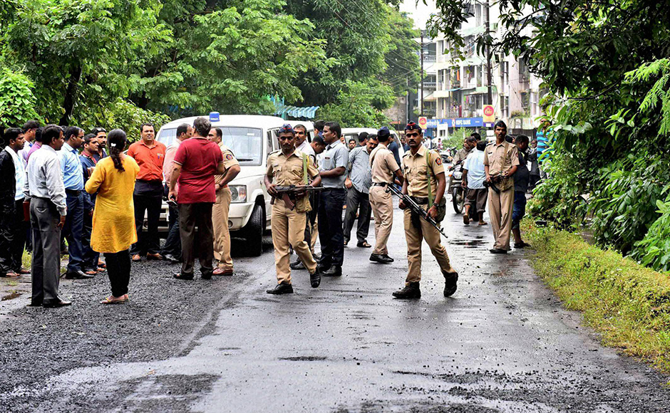 Heavy security arrangements after two school children spotted suspicious looking gunmen at Uran, in Navi Mumbai on Thursday. PTI Photo (PTI9_22_2016_000252B)