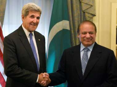 Pakistan PM Nawaz Shrif met US Secretary of State John on Monday. AP