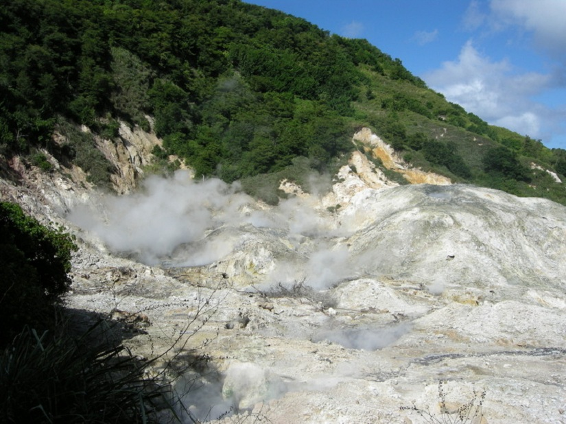 The Sulphur Springs at St Lucia. Image courtesy: creative commons