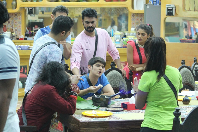 Bigg Boss Season 10 Episode 3 19th October War of words continues Monalisa wants to quit