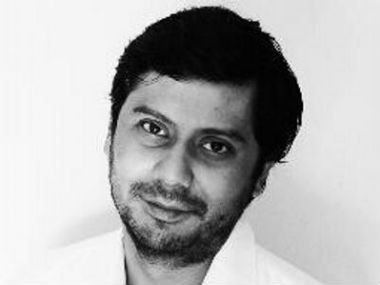 Pakistani journalist Cyril Almeida awarded IPIs Press Freedom Hero for coverage of Islamabads civilmilitary ties
