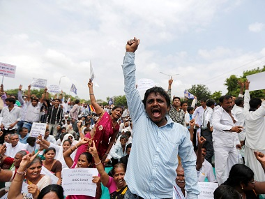 Gujarat Dalits refuse to dispose cattle carcasses in protest against rising atrocities