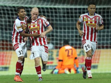 ISL 2016 Iain Humes late penalty helps Atletico de Kolkata to a point against champions Chennaiyin