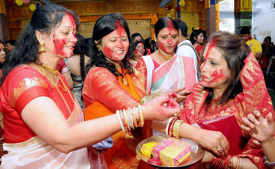 "There were long queues before sweet shops as people started visiting relatives and friends to wish each other ""Shubho Bijoya (Happy Vijaya Dashami)"". (Photo: PTI)"