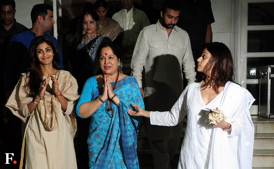 Shilpa,-mother,-Shamita-&-Raj