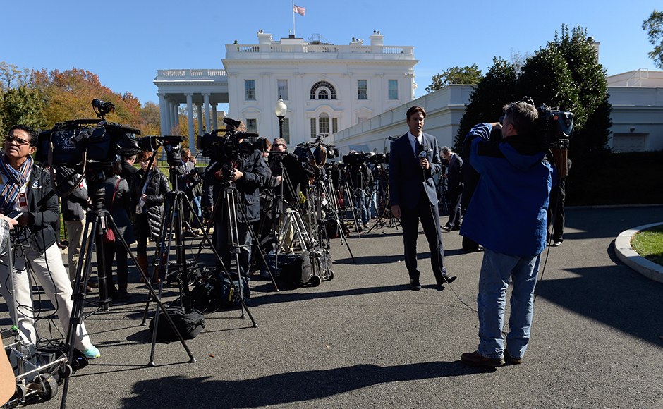 Journalists wait outside the West Wing of the White House in Washington, Thursday, Nov. 10, 2016, as President Barack Obama and President-elect Donald Trump met inside. (AP Photo/Susan Walsh)