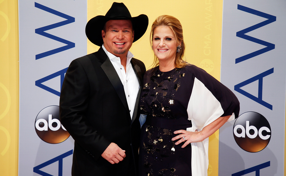Musican Garth Brooks posing with singer Trisha Yearwood at the event night. (Photos: PTI))