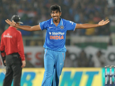Champions Trophy 2017: Jasprit Bumrah's death bowling makes him Virat Kohli's go-to man