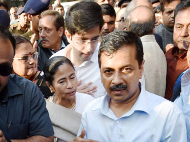 Delhi Chief Minister Arvind Kejriwal and West Bengal Chief Minister Mamata Banerjee at a dharna against demonetisation of currency notes, in front of Reserve Bank of India in New Delhi on Thursday. PTI