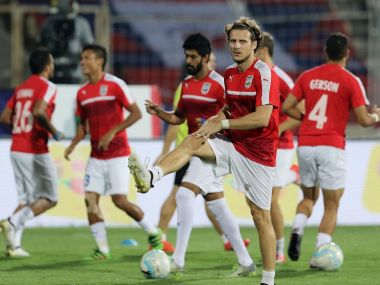 ISL 2016 Mumbai City FC Kerala Blasters eye final playoff push in battle of gritty defences