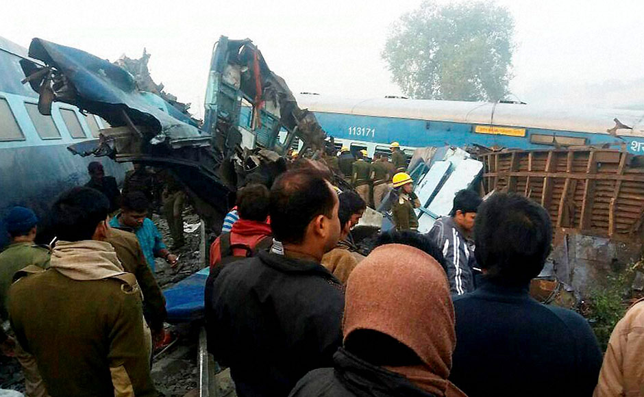 Kanpur: Officials carry out rescue work after around 90 people were killed and 150 injured when 14 coaches of the Indore-Patna express derailed in Kanpur Dehat on Sunday. PTI Photo(PTI11_20_2016_000004B)