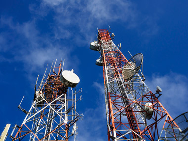 Just by fulfilling its commitment to SC Trai can bring down mobile call rates by half It should
