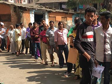 Demonetisation As ATM queues get 2 km long kuch karo hamara say angry customers