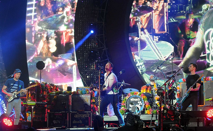 Coldplay on stage in Mumbai at the Global Citizen Festival India. Image by Sachin Gokhale/Firstpost