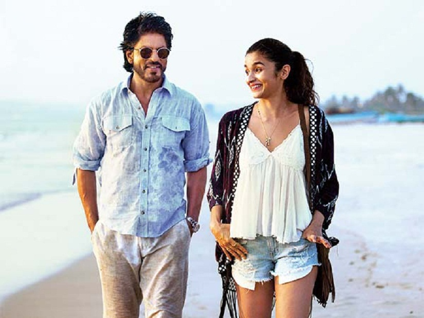 Alia Bhatt and Shah Rukh Khan in a still from 'Dear Zindagi', directed by Gauri Shinde