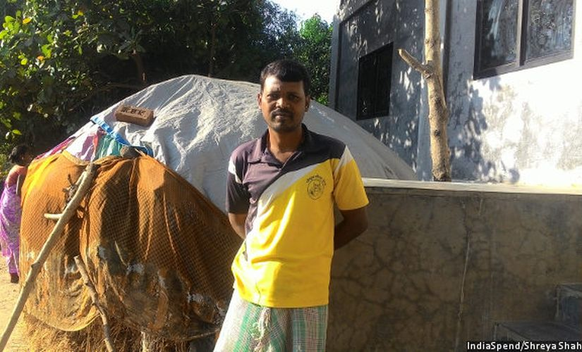 """Daily wage labourer Jitendra Bhurkud has worked without pay for the last two weeks. """"We will take once the employer has change,"""" he said. Image courtesy: IndiaSpend"""