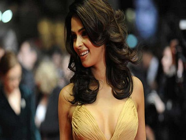 Mallika Sherawat on her attack: `I don't blame Paris for it. The incident has left me humbled.'