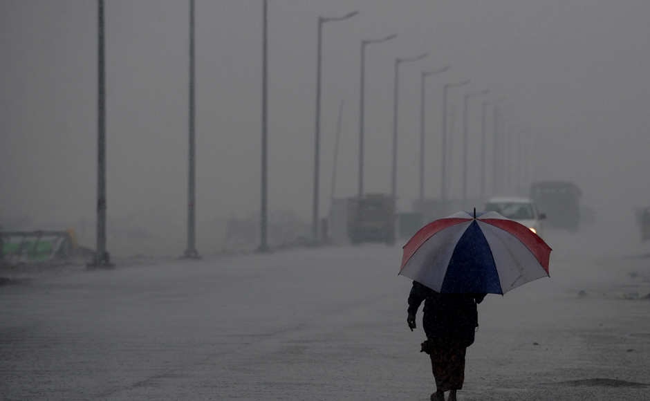 "The intensity would increase with rainfall at most places and ""heavy to very heavy rainfall"" at a few places over coastal Tamil Nadu and Puducherry and isolated ""heavy to very heavy rainfall"" over interior Tamil Nadu on 1 and 2 December, the IMD said. (Photo: AFP)"