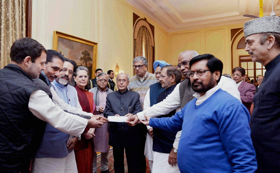 Congress-led Opposition meets President to discuss demonetisation