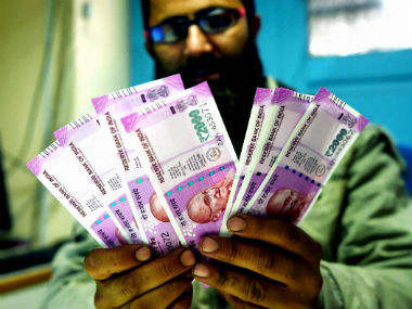 PSB instructs officials to restrict circulation of Rs 2000 notes urges customers not to panic as no curbs on accepting