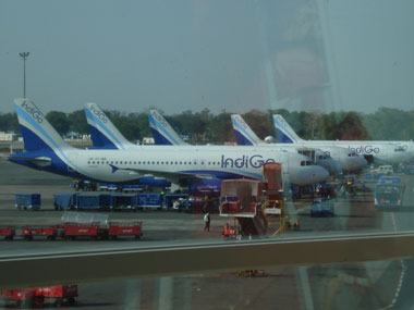 IndiGo extends domestic sale till 23 February fare starts from Rs 999 about 10 lakh seats on sale