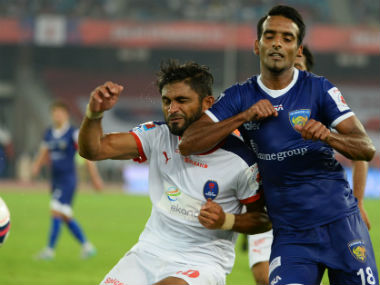 Harmanjot Khabra (R) vie for the ball with Anas Edathodika during an ISL clash last year. AFP