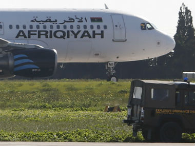Hijackers divert Libyan plane to Malta release all passengers before surrendering