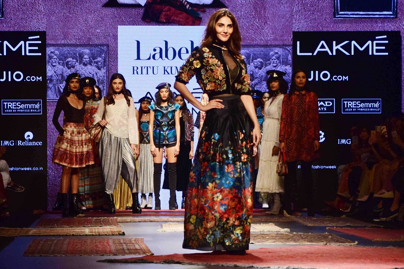 Bollywood actor Vaani Kapoor displays the creation of fashion designer Ritu Kumar during the Lakme Fashion Week Summer/Resort 2017, in Mumbai, India on February 3, 2017. (Sanket Shinde/ SOLARIS IMAGES)