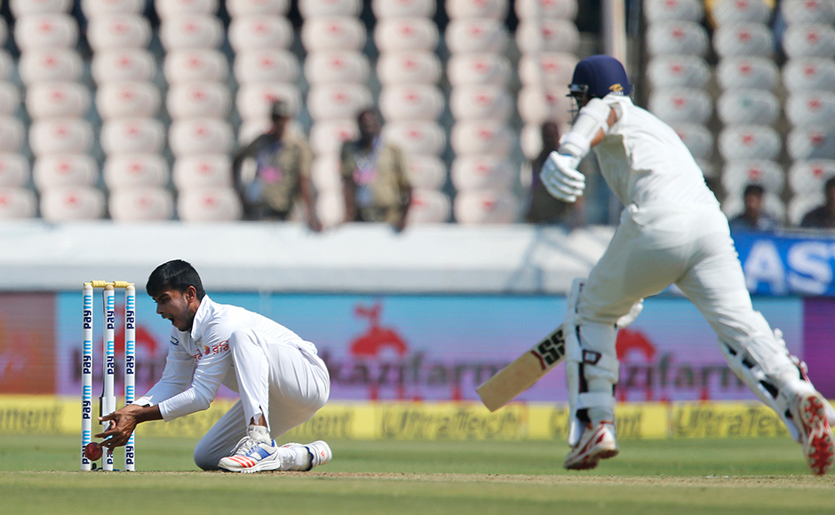 4_Mehedi-run-out-miss-India-AP
