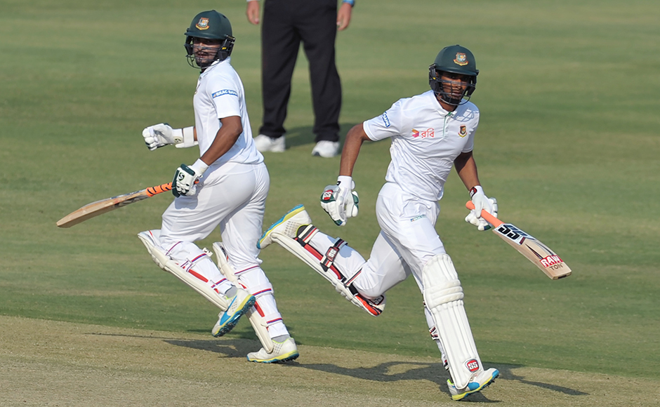 Bangladesh's Mahmudullah and Shakib Al Hasan (R) run between the wickets on the fourth day of a solo Test match between India and Bangladesh at the Rajiv Gandhi International Cricket Stadium on February 12, 2017. IMAGE RESTRICTED TO EDITORIAL USE - STRICTLY NO COMMERCIAL USE----- / GETTYOUT