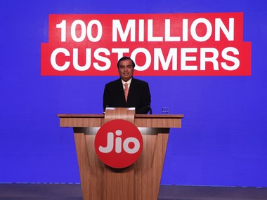 Mukesh Ambani at RelianceJIO media conference3 - Feb 21, 2017_380