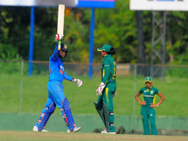 India beat South Africa in the final of the ICC Women's World Cup Qualifier. Image courtesy: Twitter/@BCCI