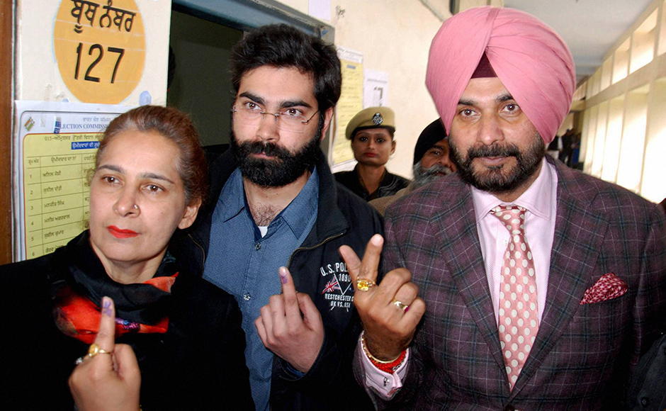 Punjab Election 2017: Heavyweights arrive to cast their votes in three-cornered high-stake fight