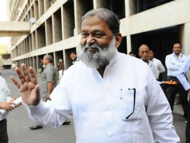 Haryana issues fresh orders to seal border with Delhi 80 cases from districts adjoining National Capital says home minister Anil Vij