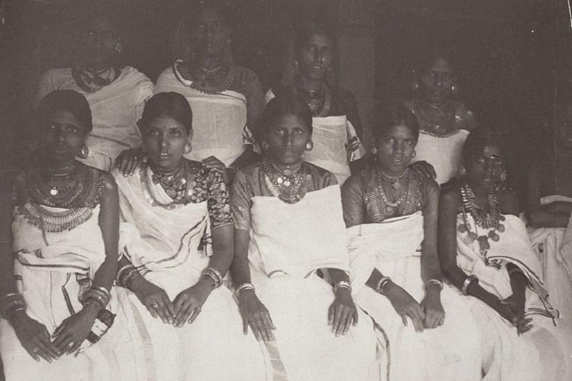 Nair women circa 1914. Wikimedia Commons