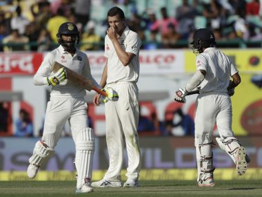 Ravindra Jadeja (L) and Wriddhiman Saha must play their natural attacking game on Day 3. AP