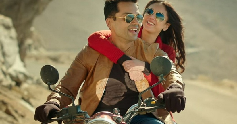 Kaatru Veliyidai movie review Karthi gives career best act in Mani Ratnams intense romance